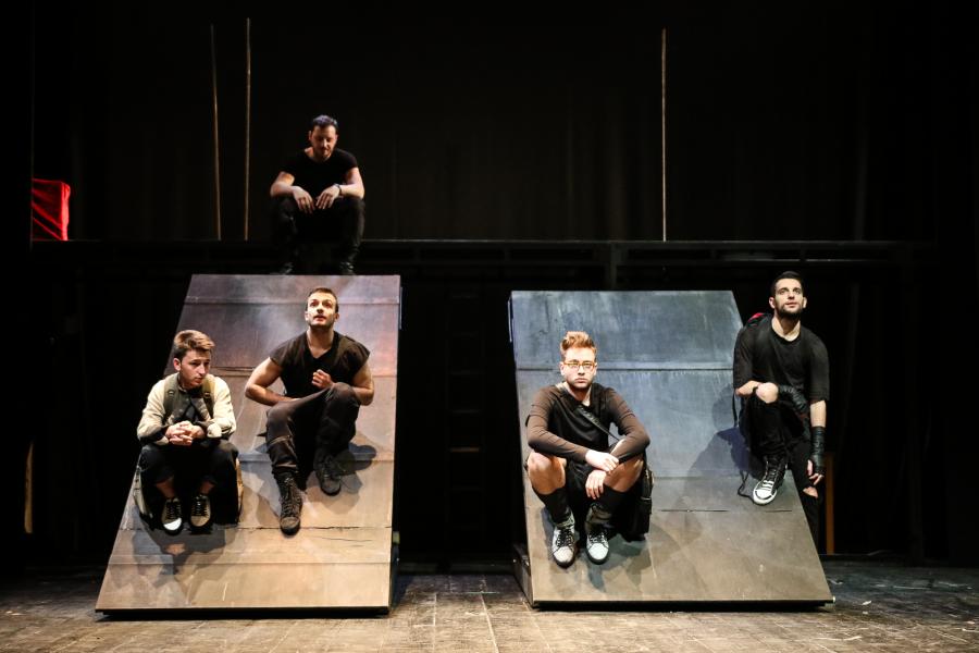 La paranza dei bambini - Roberto Saviano - Teatro Duse