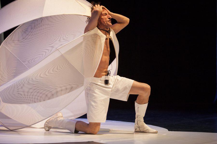 Fotofinish - Antonio Rezza - Teatro Duse
