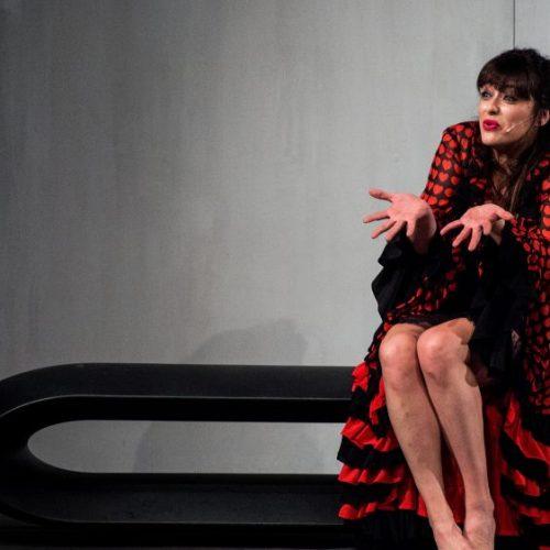 Valentina Lodovini - Tutta casa, letto e chiesa - al Teatro Duse