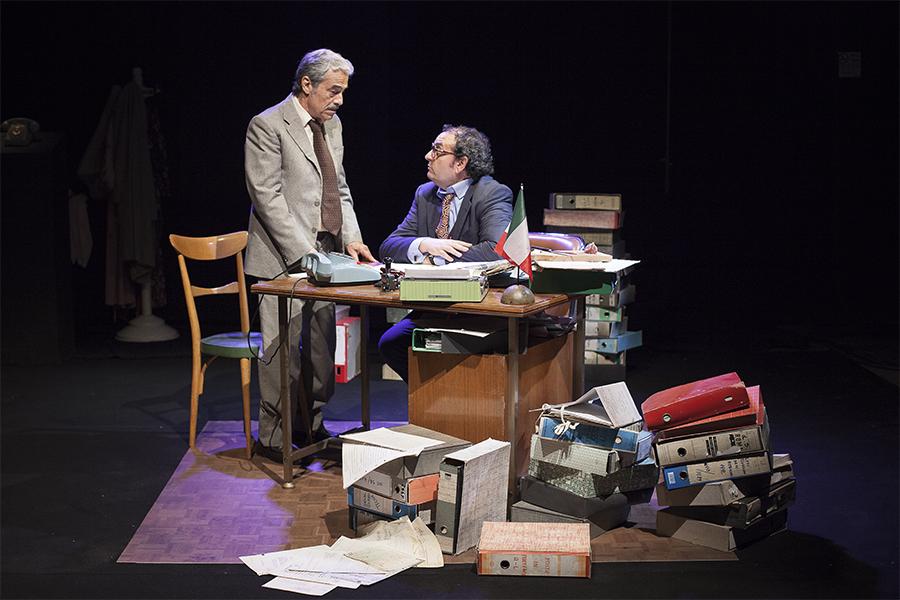 Un borghese piccolo piccolo | Massimo Dapporto - Teatro Duse Bologna